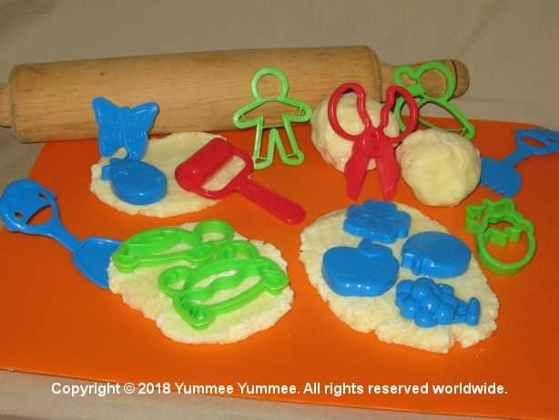 Make some gluten-free play dough. Get creative and mold some interesting shapes and characters.